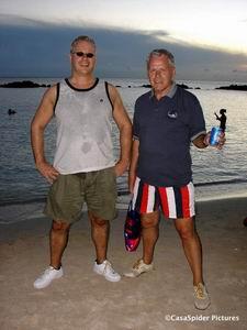 CasaSpider en CasasPa tijdens het Happy Hour van Wet&Wild zondag 22 oktober 2006. Klik voor groter/sluiten.