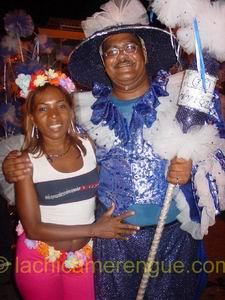 Charles Cooper, lijsttrekker van de MAN, samen met Lucia, La Chica Merengue tijdens het carnaval van 2005!