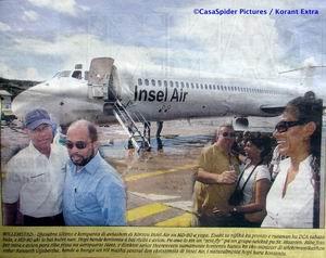 Edward Heerenveen en Kenneth Gijsbertha zijn bijzonder gelukkig met de komst van de Insel Air MD-83 op Curacao. Klik voor groter.
