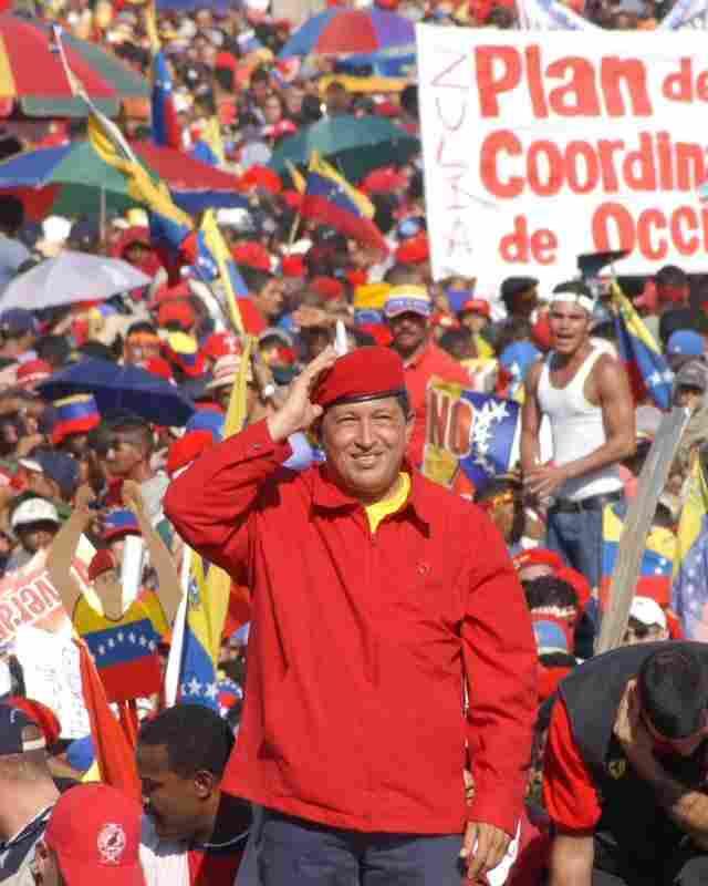President Hugo Chavez, held van de arme bevoling van Venezuela. Klik voor groter/sluiten.