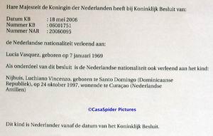 Vrijdag 28 juli 2006: Lucy en Luchiano hebben de Nederlandse nationaliteit. Klik voor groter/sluiten.
