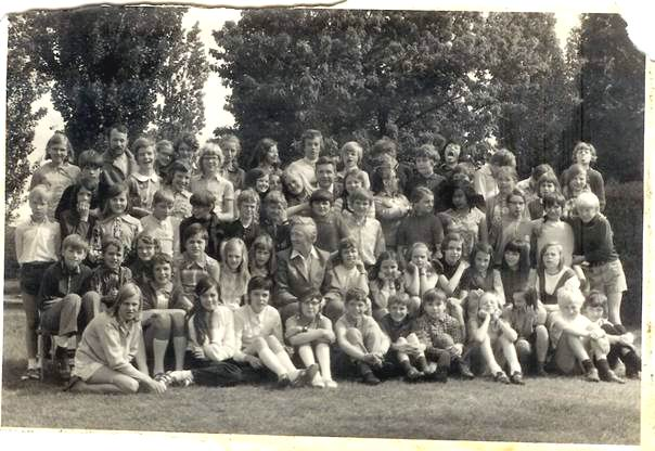 Klassefoto Sint Janschool Valkenswaard 1970/1971. Waar staat CasaSpider? Klik voor groter/sluiten.