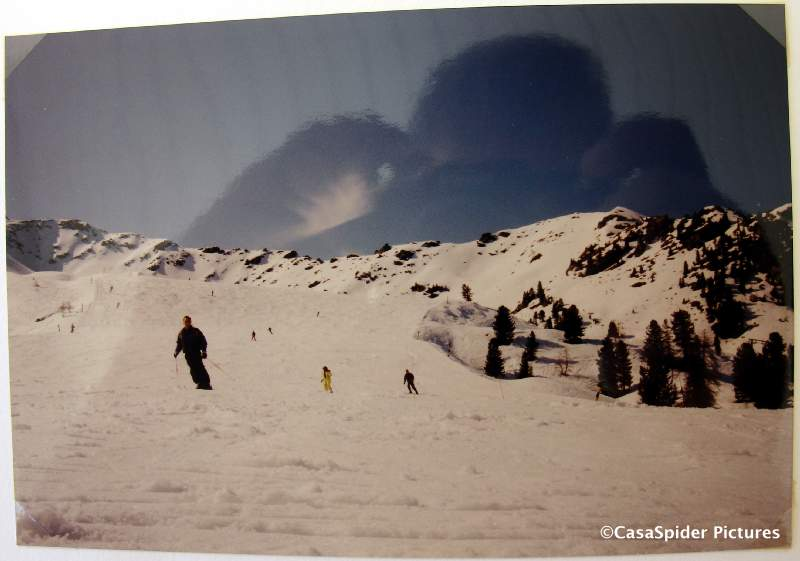 Wintersport Italie, 1993 of 1994: Is deze elegante skier CasaSpider? Klik voor groter/sluiten.