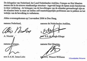 Donderdag 2 november 2006: De ondertekening van de Slotverklaring. Klik voor groter/sluiten.