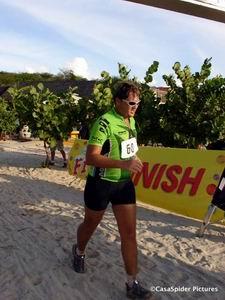 Roland finihed in 1 uur 48 minuten bij triathlon Porto Marie 2006. Klik voor groter/sluiten.