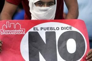 02.12.2007: Hugo Chavez Frias verliest referendum om macht president uit te breiden.