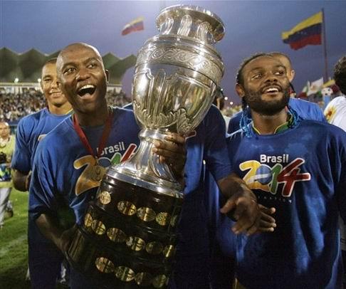15.07.2007: Brazilie verslaat Argentinie met 3-0 in de finale van de Copa America 2007 te Maracaibo, Venezuela. Klik voor groter.