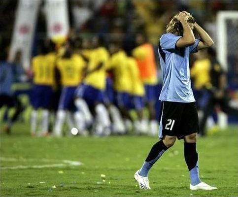 10.07.2007: Brazilie verslaat Uruguay na strafschoppen (2-2 / 5-4) in de eerste halve finale van de Copa America 2007. Klik voor groter.