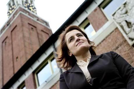 30.01.2008: Wethouder Hatice Can-Engin uit Gilze-Rijen neemt afstand van Hizb ut-Tahrir. Klik voor groter.
