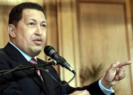 17.08.2007: President Hugo Chavez van Venezuela wil onbeperkt mandaat en claimt een gebied van 200 zeemijlen ten noorden van Venezuela. Klik voor groter.