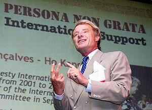 10.05.2007: Jacob Gelt Dekker houdt presentatie voor Investment Conference en veroorzaakt nogal wat deining. Foto: Amigoe krant