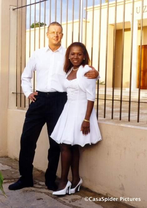 13.02.1999: Lucy en CasaSpider trouwen in Santo Domingo. Klik voor groter.