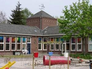 17.04.2007: De oude Sint Janschool te Valkenswaard. Klik voor groter.