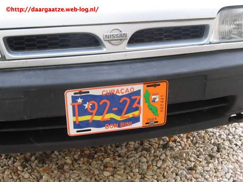 09.01.2008: Curacaose nummerplaten worden ieder jaar gekker. Klik voor groter.