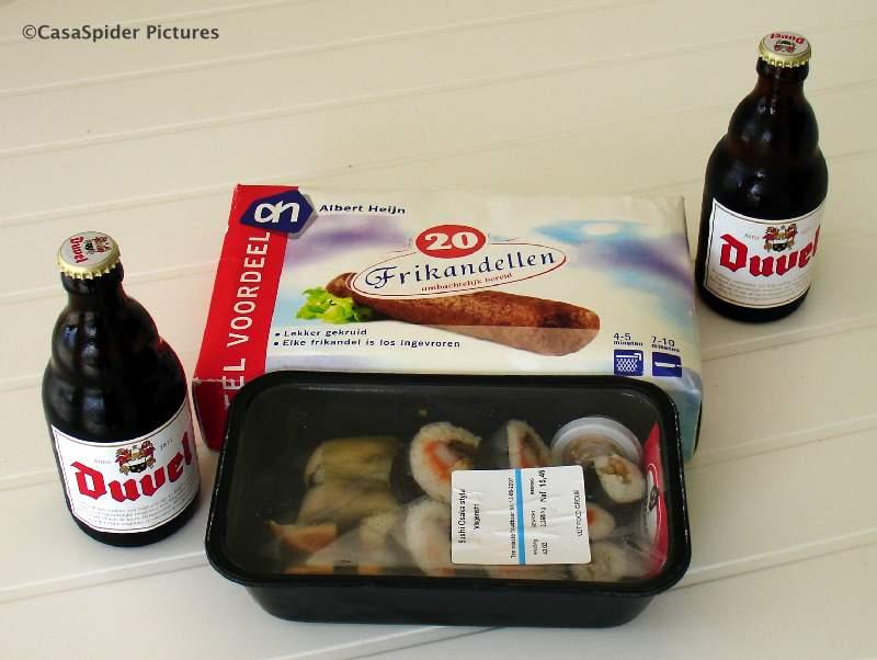09.06.2007: Zaterdag hadden we Happy Hour bij ons thuis met Duvel, sushi en frikandellen. Klik voor groter.