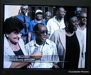 22.03.2007: UTS staakt tegen maatregel Omayra Leeflang. Op de foto Emily de Jongh-Elhage, Emilio Brunken en Omayra Leeflang. Klik voor groter.