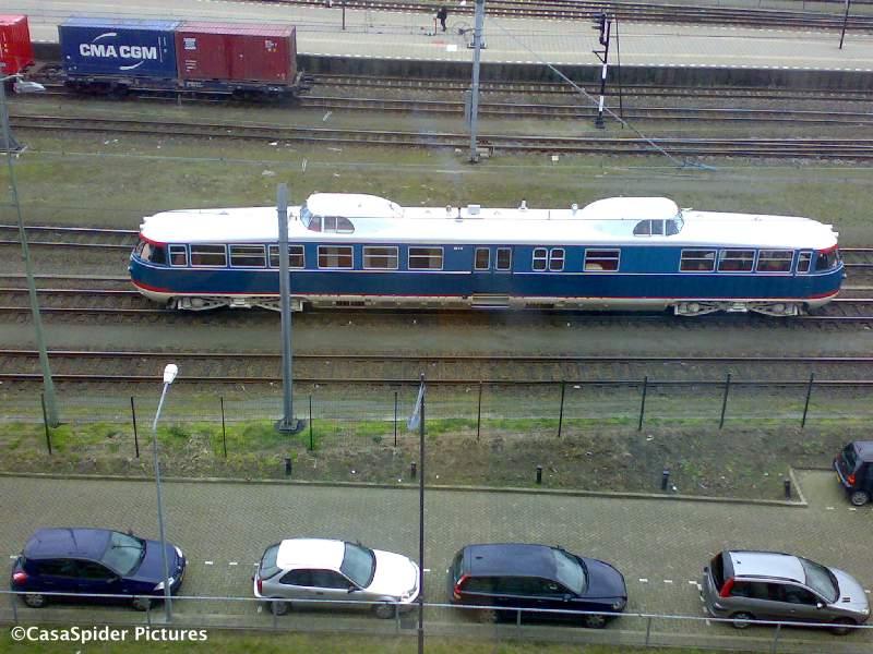 11.03.2008: Vanuit Brabant Water uitzicht op het station van Den Bosch met de Kameel (1954). Klik voor groter.