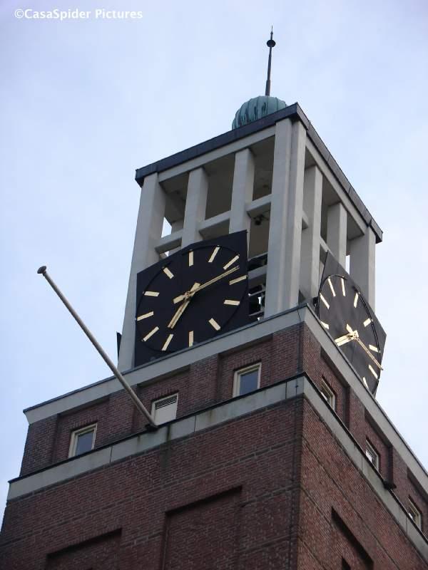 25.06.2009: Gemeente Rijen organiseert wedstrijd nieuwe liederen voor het carillon, wij doen mee met El Hombre de tu Vida. Klik voor groter.