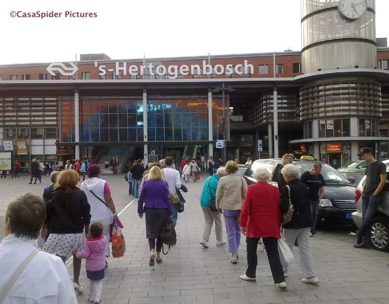 06.09.2009: Op een mooie zondagmiddag maken de Spiders het centrum van 's Hertogenbosch onveilig. Klik voor groter.