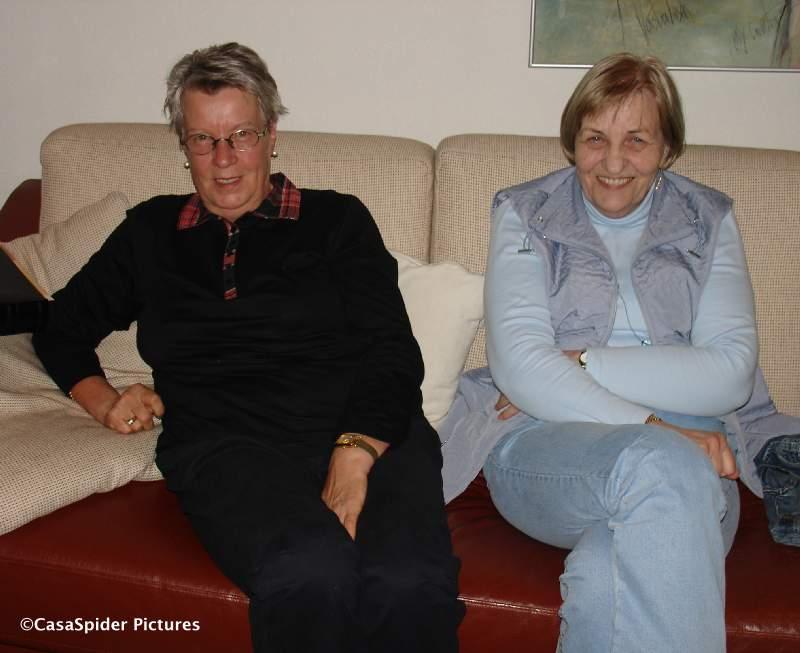 25.10.2009: Tante Gesa en tante Gertrud op bezoek in Dommelen, da koennen wir mal wieder Deutsch reden. Klik voor groter.