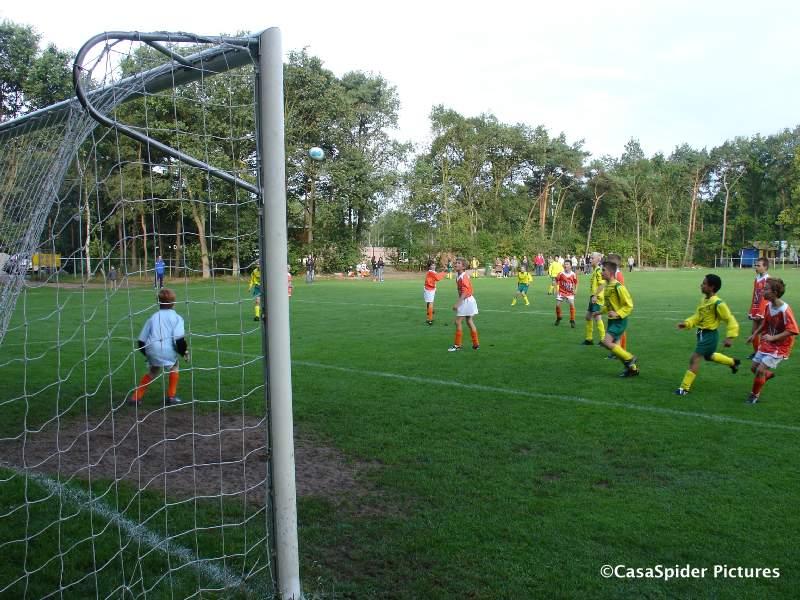 12.09.2009: Rijen D4 verslaat Moerse Boys D3 met 13-0 en schrijft geschiedenis. Klik voor groter.