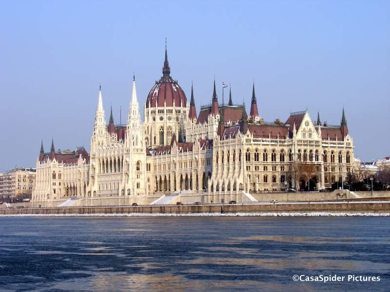 20.12.2009 (zondag): SQL Integrator bekijkt bezienswaardigheden in Budapest. Klik voor groter.