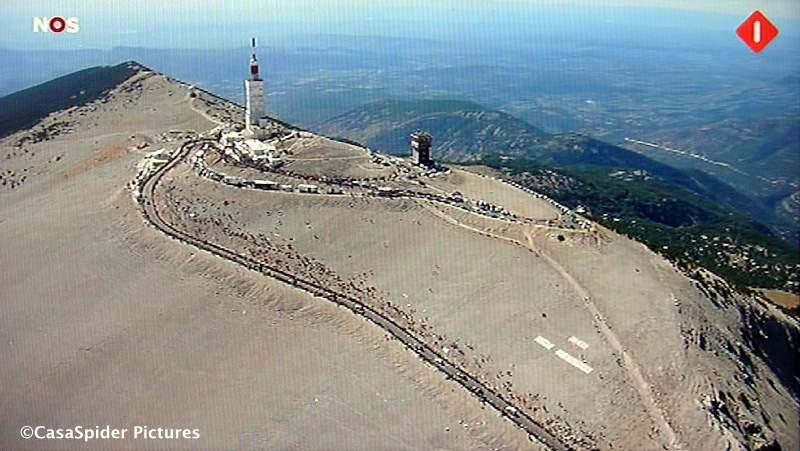 25.07.2009: Rabo-renner Garate wint de koningsetappe naar de Mont Ventoux, de Reus van de Provence. Klik voor groter.