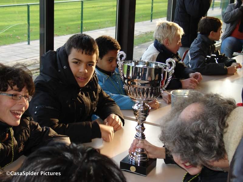 12.12.2009: Na een zwaarbevochten 1-2 overwinning op Viola D3 is Rijen D4 kampioen van de derde klasse D320, gefeliciteerd! Klik voor groter.