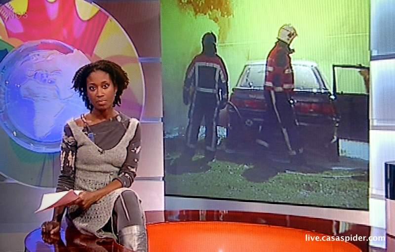 20.10.2010: The Real Game op het Beatrix College in Tilburg; terrorist ramt het hek van de school en dreigt met bom. Klik voor groter.