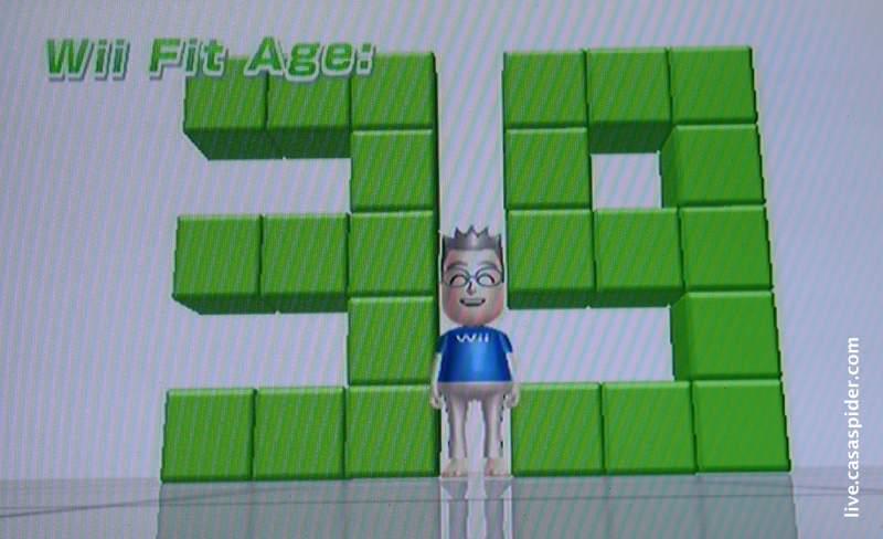 05.08.2010: CasaSpider laat zijn Wii-Fit leeftijd bepalen en die valt niet tegen: 39 jaar. Klik voor groter.