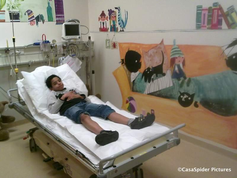 27.01.2010: Luchiano heeft weer iets, deze keer is het zijn knie en dus mogen we naar de Spoedeisende Hulp van het Amphia ziekenhuis te Breda. Klik voor groter.