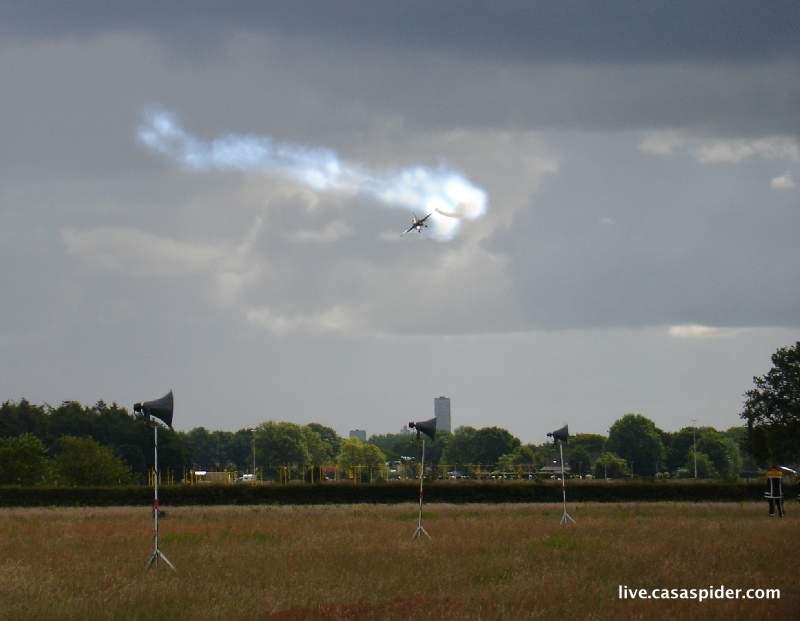19.06.2010: Luchtmachtdagen Gilze-Rijen, een onvergetelijke ervaring met name door de fenomenale F16's. Klik voor groter.