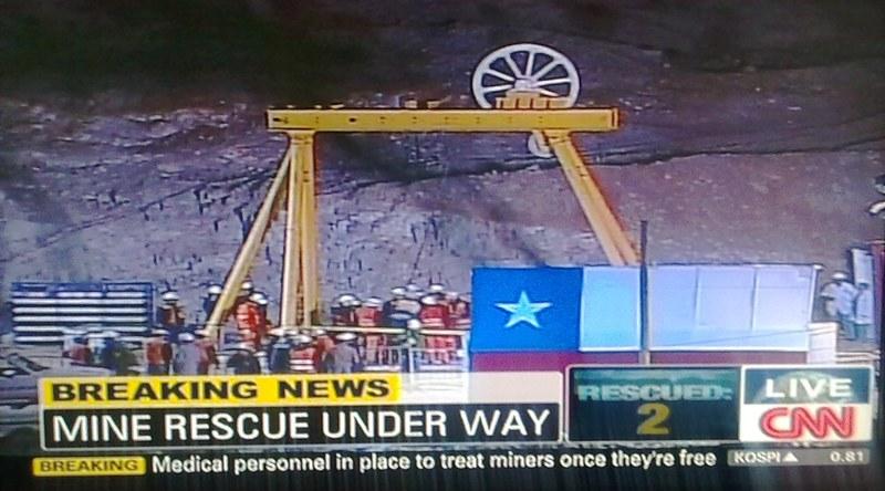 13.10.2010: De dag van de redding van de Chileense mijnwerkers (05.08.2010-13.10.2010). Klik voor groter.