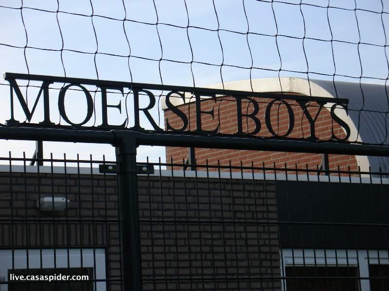 11.09.2010: Moerse Boys C3 - Rijen C4 5-3; Moerse Boys uithangbord. Klik voor groter.