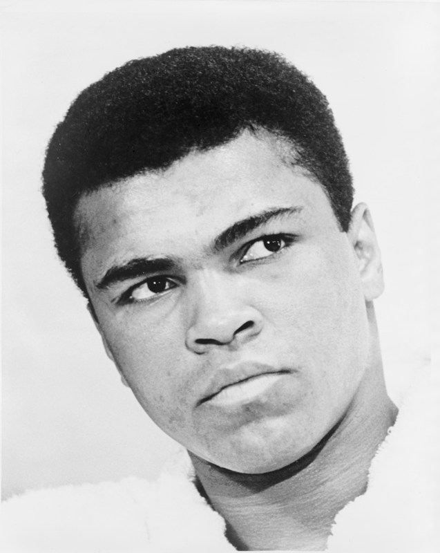 01.07.2010: Will Smith doet het niet slecht als Muhammad Ali in de film Ali, maar haalt het niet bij Ali zelf. Klik voor groter.