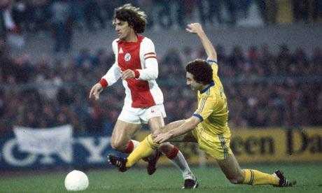 09.04.1980: Ajax verliest met 2-0 in Nottingham van Nottingham Forest, halve finale Europacup 1. Klik voor groter.
