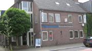 02.11.2010: Het mysterie van de afkorting TOFS in SCO/TOFS is ontraadseld, hier het bedrijfspand van Take Off Financial Stores in Oosterhout.