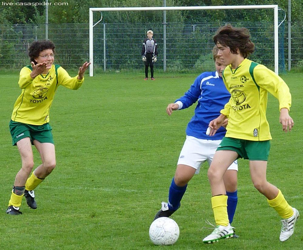10.09.2011: Rijen C4 wint uit bij BSV Boeimeer C5 met 0-1; Jorg en Wesley. Klik voor groter.