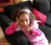 04.03.2011: Diana (4) viert Carnaval in Wringersgat (Rijen) als Carnavalsprinses. Klik voor groter.