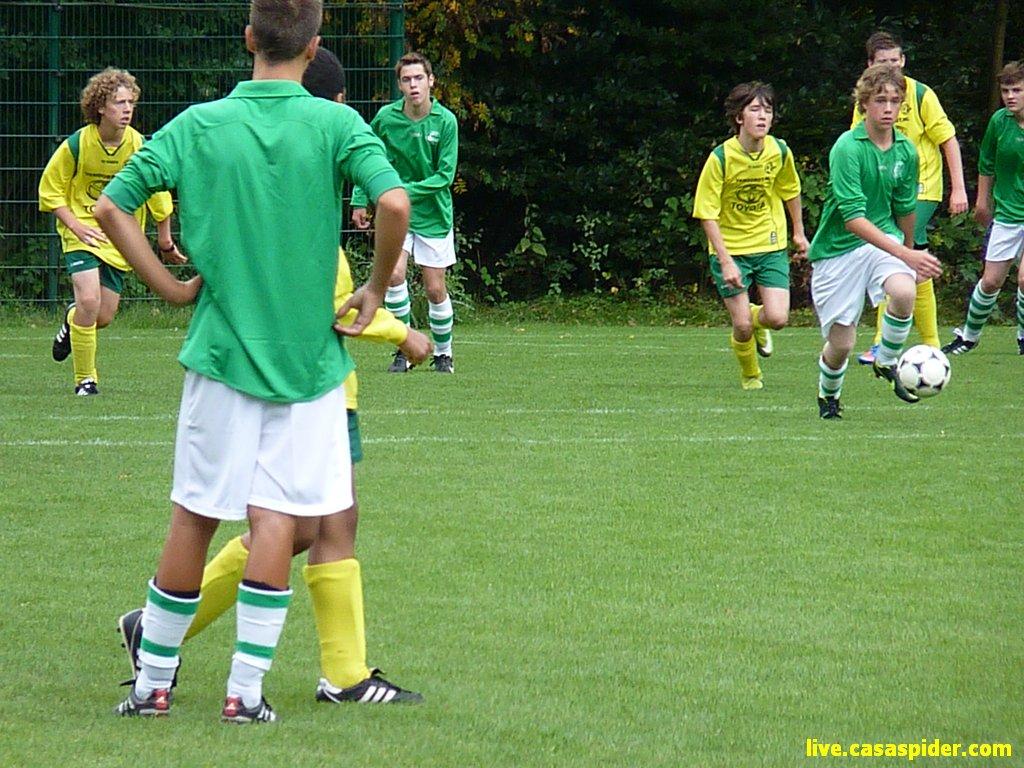 25.08.2012: Rijen B4 speelt voor de beker tegen Bavel B3 en wint mede dankzij een hattrick van Luchiano met 5-1. Klik voor groter.