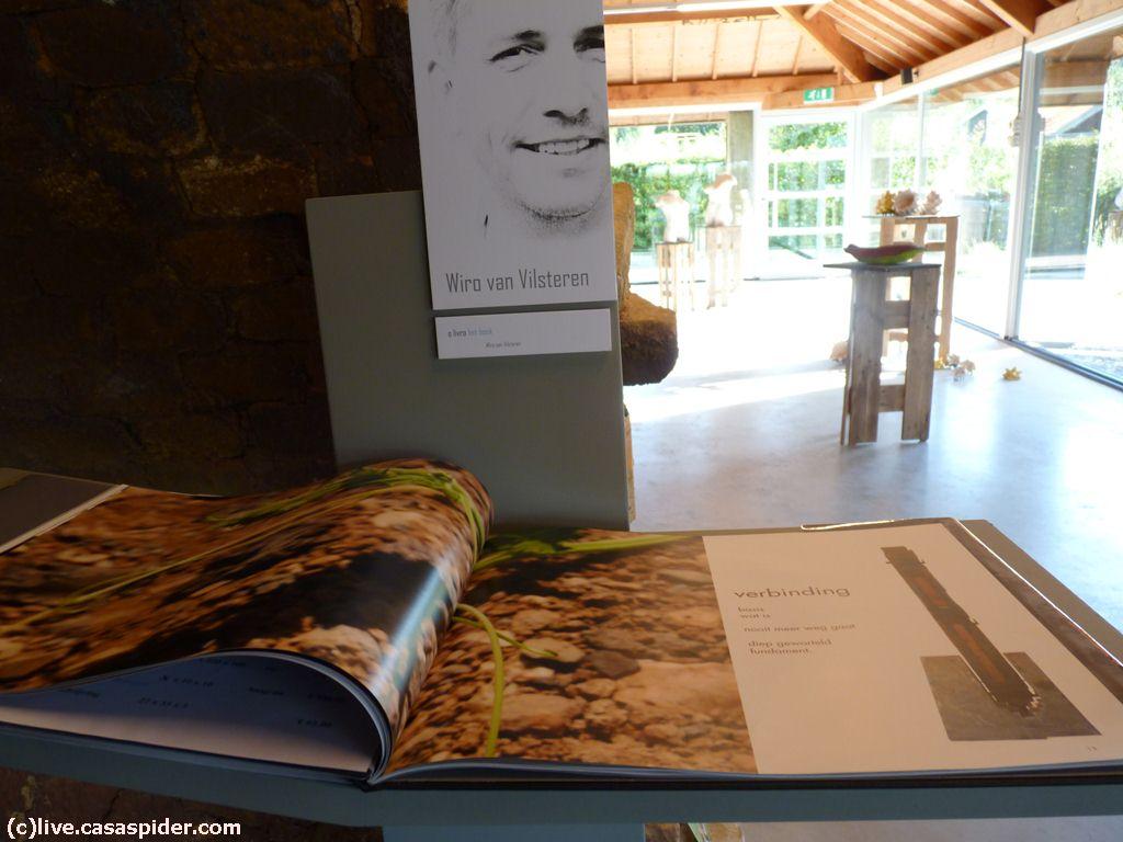 30.09.2012: Zwager Wiro van Vilsteren exposeert met zes andere kunstenaars in de Steenfabriek te Gilze. Diana (6), Luchiano (14) en CasaSpider (35x) zijn erbij. Klik voor groter.
