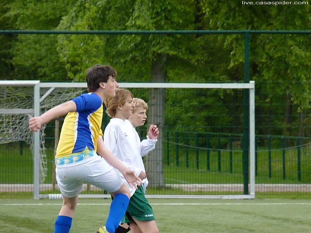12.05.2012: Rijen C4 speelt voor de tweede keer tegen Jeka C7 en wint nu met 2-0, C-toernooi vv Rijen. Klik voor groter.