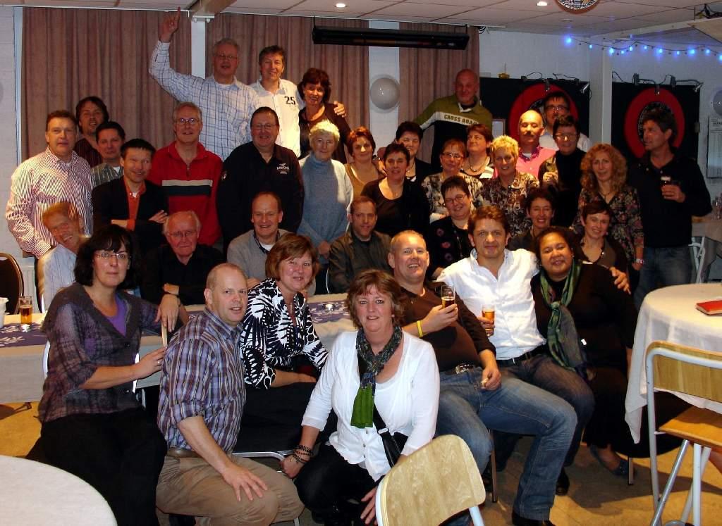 16.11.2008: Reunie klas 6 1971 Sint Janschool Valkenswaard in Speeltuin Geenhoven. Klik voor groter.